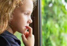 как отучить ребёнка грызть ногти