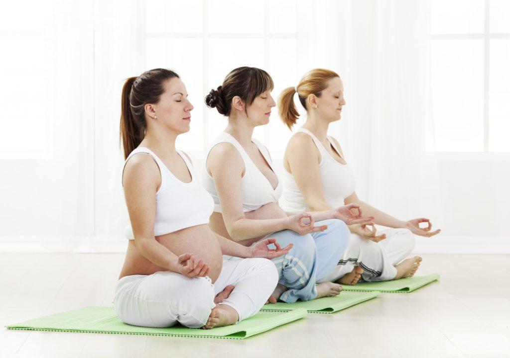 Йога для беременных: польза или вред